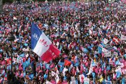 Les opposants au « Mariage pour tous » défilent à Paris
