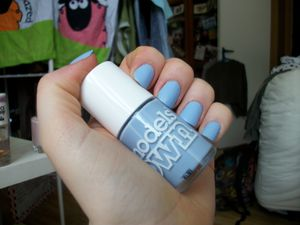 Models Own Beth's Blue, enfin sur mes ongles!