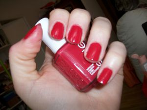 Essie, She's pampered, ce superbe rouge...