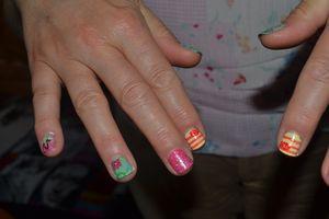 Le jour où j'ai fait un nail art à quelqu'un d'autre...