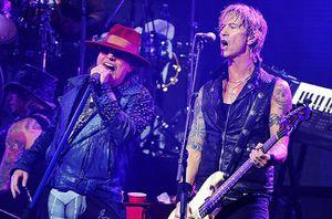 Ron &quot&#x3B;Bumblefoot&quot&#x3B; Thal revient sur les derniers concerts de Guns N' Roses avec Duff McKagan