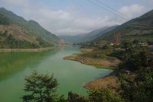 Sur 76 km on remonte la rivière Nâm Na