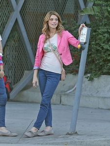 Ashley Greene sur le Tournage de 'Burying The Ex '