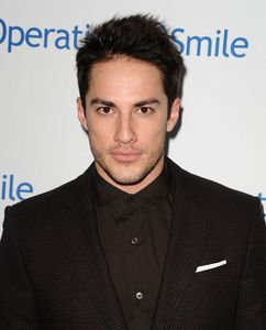 Operation Smile Gala avec Michael Trevino