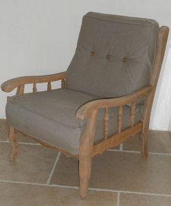 Fauteuil ancien en bois grisé relooké couleur ficelle - déhoussable