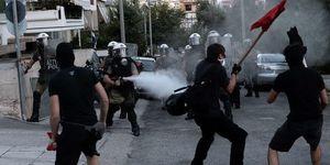 La Grèce s'enflamme en réaction à l'assassinat du rappeur Killah P par les nazis d'Aube dorée
