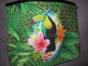 "TROUSSE de TOILETTE "" TOUCAN """