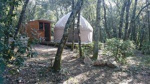 Dormir dans une Yourte : notre Nuit insolite en Ardèche