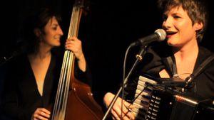 Emilie Cadiou en duo avec Aude Bouttard aux Docks à Cahors le 14 mai 2016