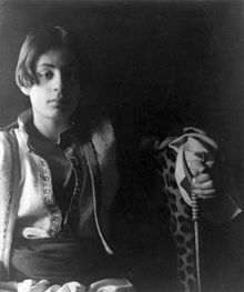 Khalil Gibran, Photographie de Fred Holland Day, c. 1898