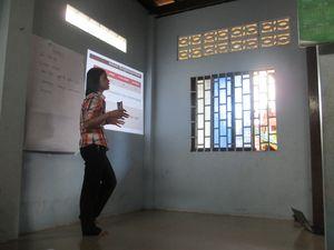 Présentation des résultats du système de suivi technico-économique de 2012 pour les éleveurs avicoles de 4 villages de la commune de Krabei Real