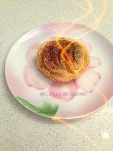 Petite tarte aux poires sur lit de crème mousseline
