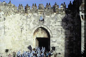 La porte de Sichem, que certains pays voudraient nous faire lâcher