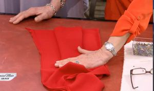 COUSU MAIN 2 : 2 - customiser une robe longue.