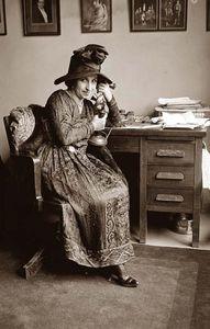 Madame Verdurin prend des nouvelles du front en 1916