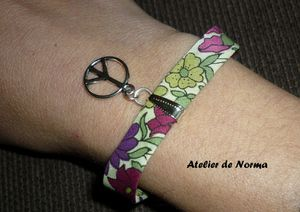 Bracelet liberty peace and love