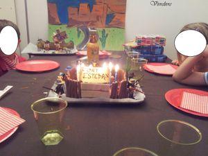 Jouer et découvrir # 31 – Gâteau d'anniversaire et cadeaux du Far West