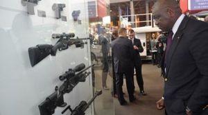 Une préfecture française où Manuel Valls remet des armes aux &quot&#x3B;loubards&quot&#x3B; ! (GriGri)