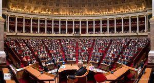 Déportation. L'Assemblée reconnaît la responsabilité de l'Etat dans l'exil forcé d'enfants réunionnais  (Le Monde)