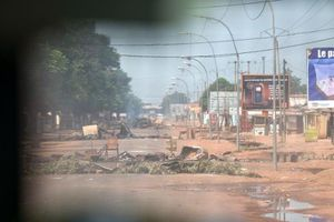 Centrafrique: tirs, explosions et barricades à Bangui contre les forces internationales  (AFP)