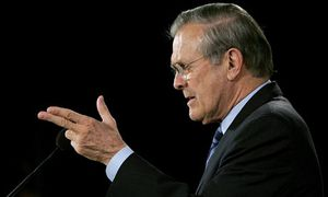 Exclusif :  Regarder comment Donald Rumsfeld ment au sujet de Saddam Hussein, d'Al-Qaïda et du 11/9 (vidéo)