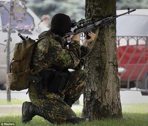 Des mercenaires du Royaume-Uni ou des Etats-Unis se battent contre les forces pro-russes en Ukraine (The Daily Mail)