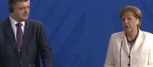 Le président de l'Ukraine, Petro Porochenko, et la Chancelière Angela Merkel lors d'une conférence de presse en commun / Photo: GEOLITICO