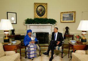 Ebola et coup d'Etat. Ellen Johnson Sirleaf essaye d'obtenir les pleins pouvoirs au Libéria. L'opposition s'insurge