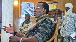 Tchad : Le dictateur françafricain Déby fait la guerre pour se maintenir au pouvoir...