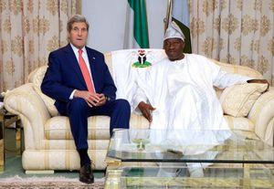 ARNAQUE. Nigéria : L'armée et Boko Haram s'affrontent alors que Kerry promet de l'aide (AJ)