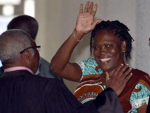 Simone Gbagbo à la barre: «Que celui qui m'accuse, m'apporte les preuves» (APA)