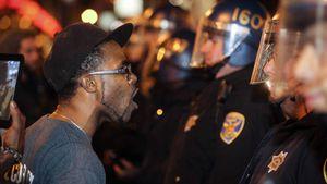 Selon un commentateur, la brutalité policière contre les Noirs est endémique aux USA (Press TV)