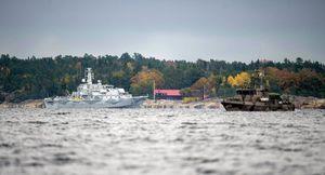 Une enquête de l'armée suédoise rejette les allégations de la présence d'un sous-marin russe près de Stockholm. La Suède malgré tout multiplie par trois son budget militaire