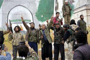 Syrie: Al-Qaïda et ses alliés contrôlent la quasi totalité d'une ville stratégique (AFP)