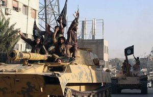 L'OCCIDENT NE COMBAT PAS DAESH ! L'EI s'empare du QG du gouvernement à Ramadi  (AJ)