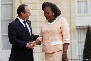 Françafrique. Un &quot&#x3B;gouvernement parallèle&quot&#x3B; français supervise le gouvernement centrafricain par intérim de Samba-Panza