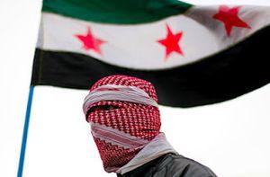 Paris: Le drapeau des djihadistes en Syrie flottait lors du rassemblement en soutien aux réfugiés (ASI)