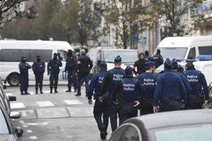 L'étrange SMS reçu par A.Lazez inculpé pour les attentats de Paris