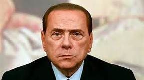 Berlusconi : «La chute de Kadhafi n'était pas une révolution, mais un complot français» (Panafricain TV)