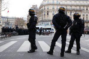 En plein état d'urgence, des travailleurs français condamnés à la prison ferme pour avoir lutté pour leurs emplois (WSWS)