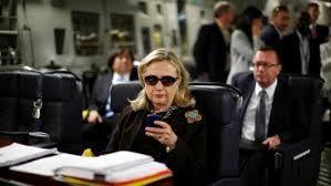 Le FBI confirme enquêter sur les emails d'Hillary Clinton (AFP)