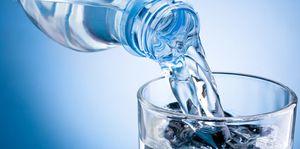 L'eau en bouteille contient plus de 24 000 produits chimiques, y compris des perturbateurs endocriniens (Natural News)