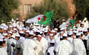 Le collectif des Mozabites d'Europe à Bernard-Henri Lévy : «Vous ne réussirez pas à nous manipuler !» (Algérie patriotique)