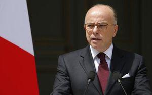 Cazeneuve prend le contre-pied des populistes et se prononce contre une loi anti-Burkini jugée dangereuse