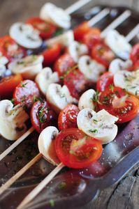 Brochettes tomates et champignons