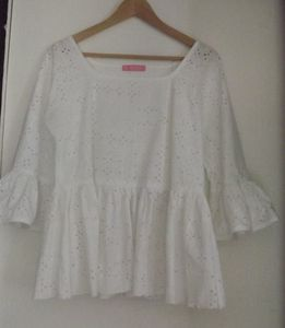 Broderie anglaise ...