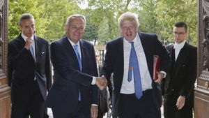 Le nouveau ministre des Affaires étrangères britannique, Boris Johnson, a rencontré son homologue français, Jean-Marc Ayrault, le 28 juillet.