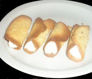 rouleaux craquants et sa crème fouetté