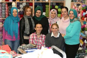 1001 portaits : Izabela et ses  amigurumi en Turquie