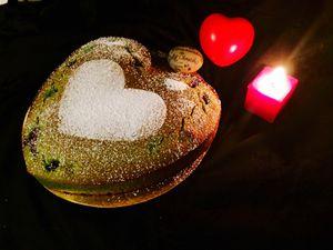 Saint Valentin : financier pistache, framboises et coeur chocolat